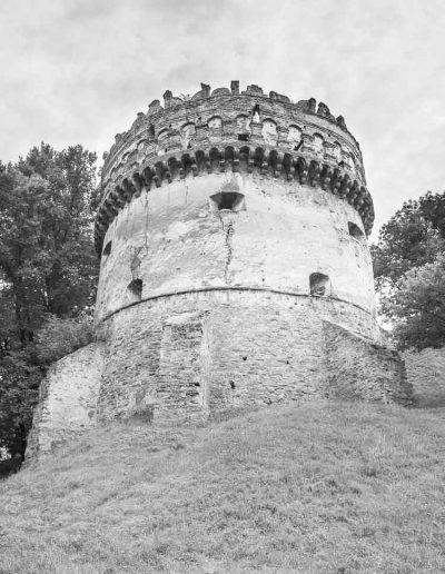 34. Острозький замок. Кругла (Нова) вежа. Кінець XVI ст