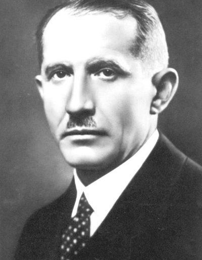 31. Євген Коновалець