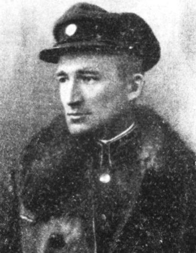 33. Андрій Мельник