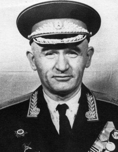 45. Петро Григоренко